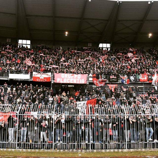 La carica dei 5000 biancorossi! StadioGarilli Piacenza CPiace iotifoPiace