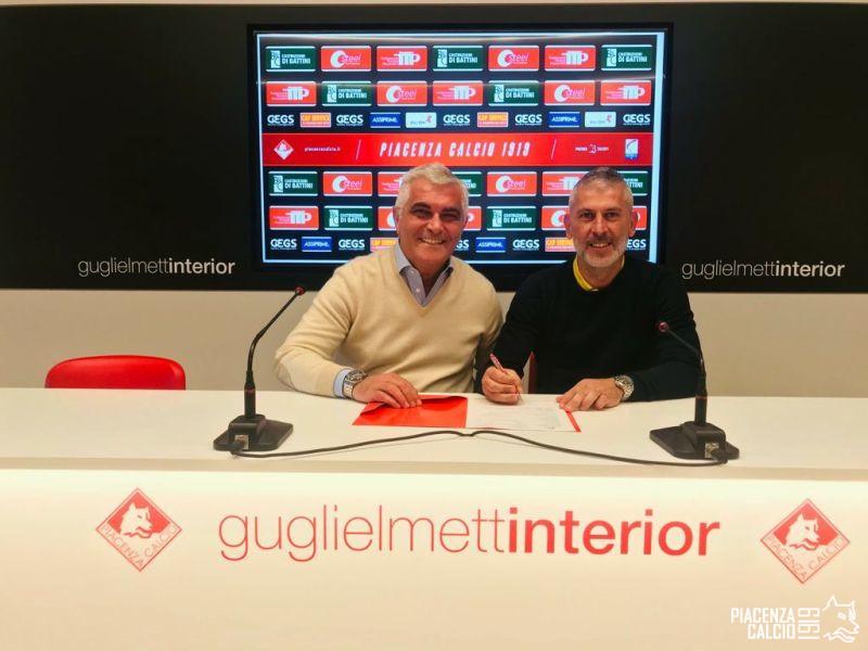 Mister Cristiano Scazzola prolunga con il Piacenza